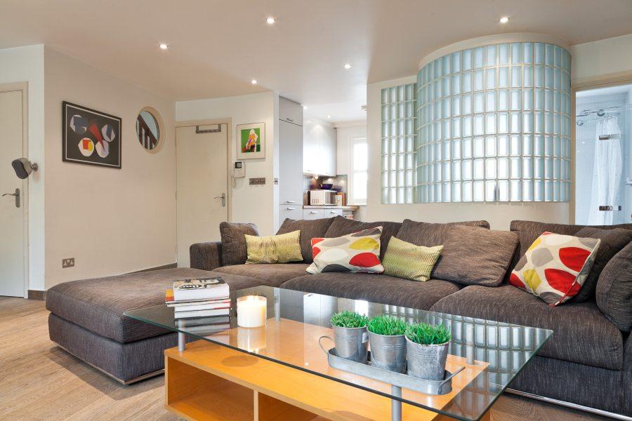 Comfy London Lounge