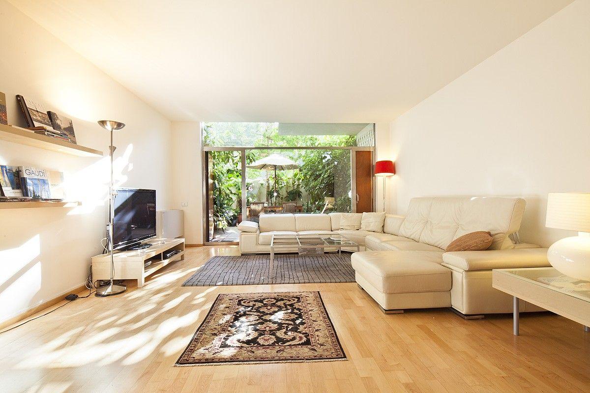 Elegant duplex with garden Barcelona