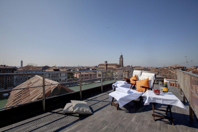 Venice Modern Suite Terrace