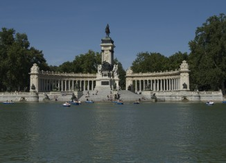 Madrid with children, Retiro park Gowithoh