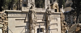 Montjuic cemetery - gave of the Batlló family - Gowithoh